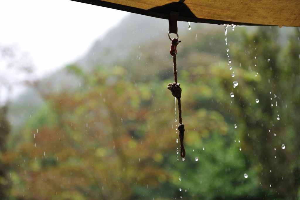雨対策を怠ると、とんでもないことになります!(2つの体験談)
