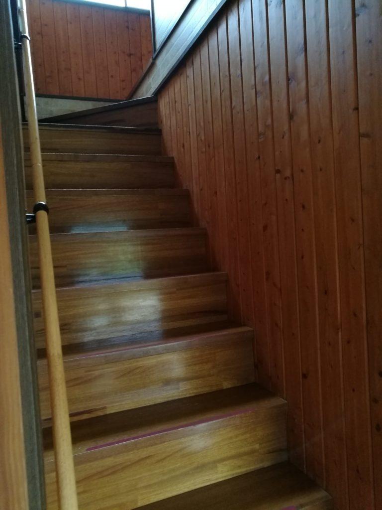大山乗馬センターコテージ階段